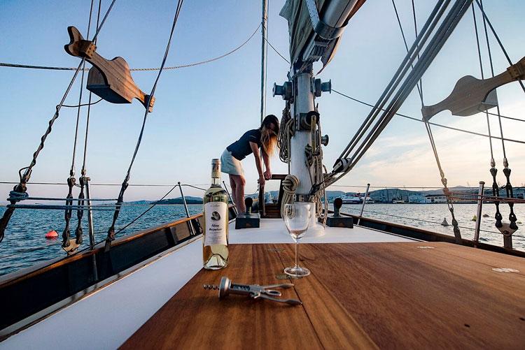 paxos sailing vacations